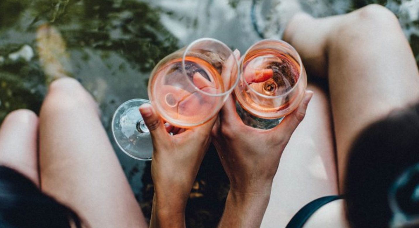 8 Wege, den Sommer mit Bordeaux Wein zu verschönern