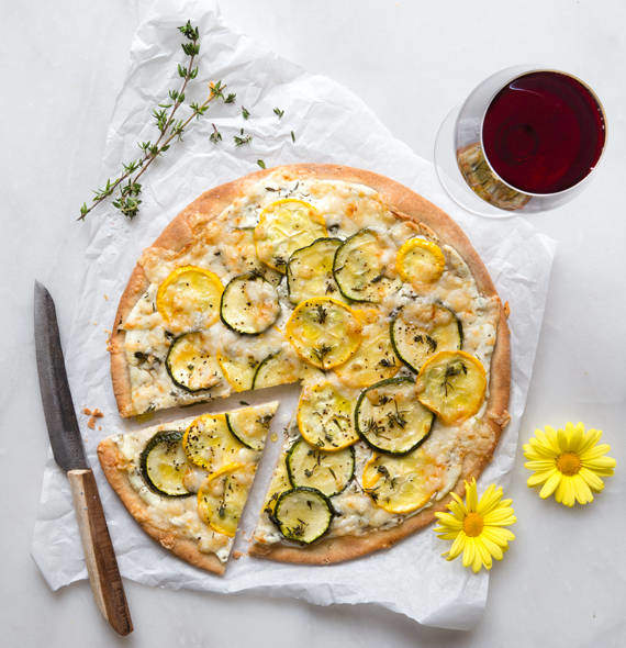 Pizza Bianca with zucchini and goat's cheese