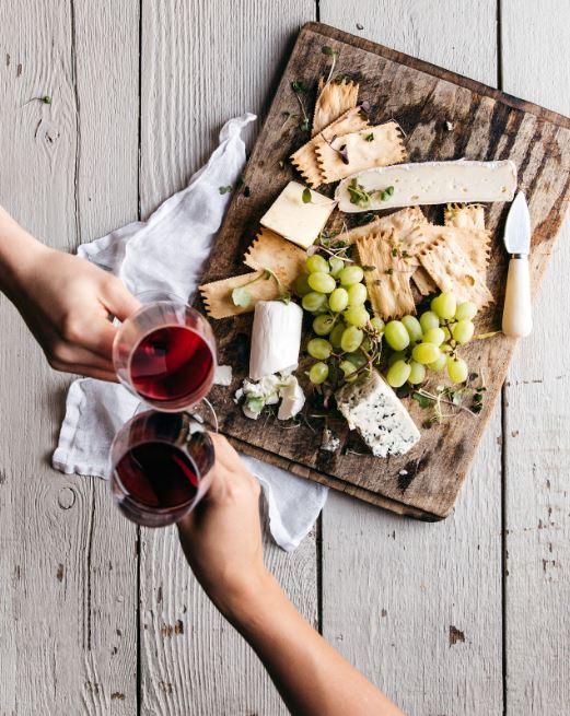 cheers wine cheese crackers