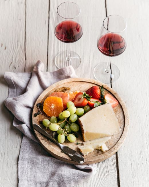 cheese wine fruits