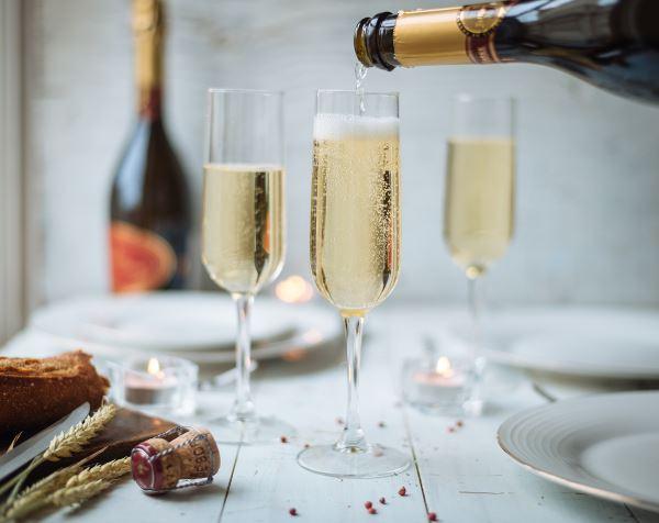 sparkling bordeaux wine