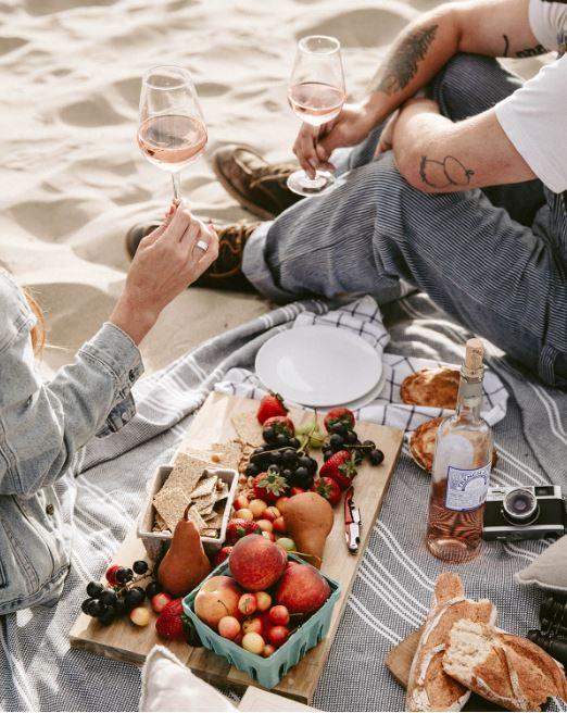 picnic bordeaux wine