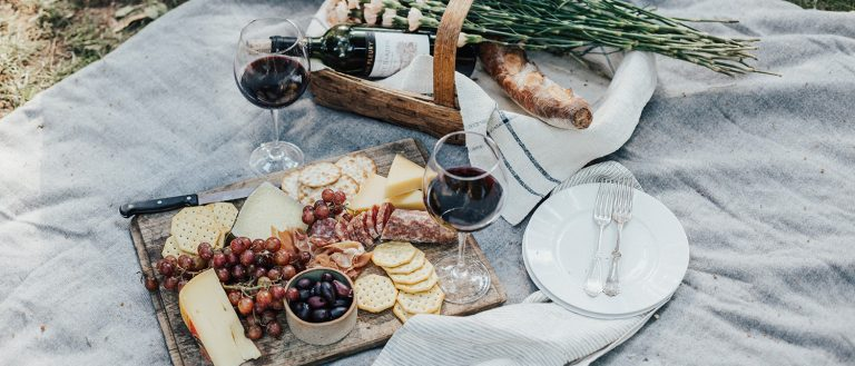 7 tips for a perfect picnic to get the most of the August sun