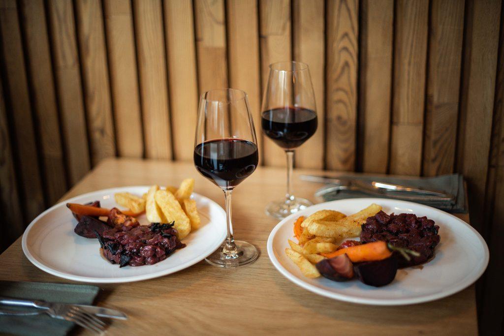 le tournant frites vin rouge