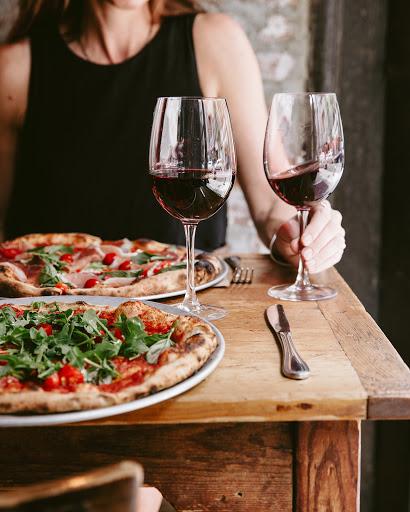 barbecue chicken pizza bordeaux wine