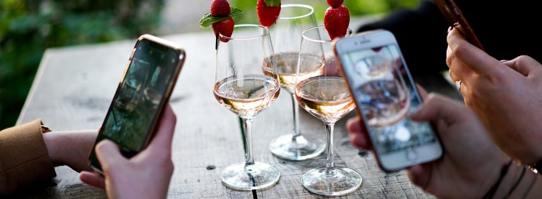 Four best apps for wine lovers