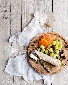 cheese fruits platter bordeaux wine