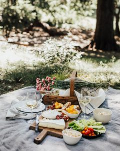 pic nic summer bordeaux wine