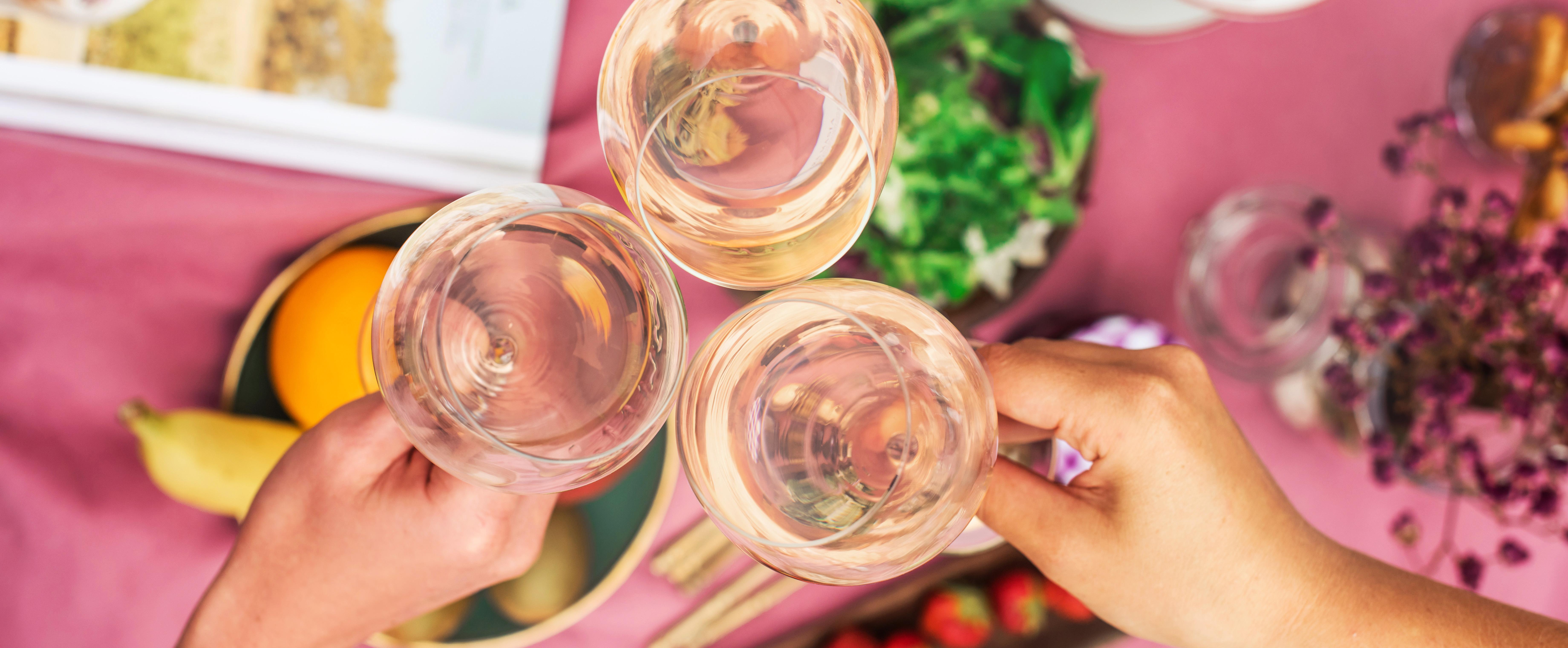 Dégustez l'été avec un vin de Bordeaux rafraîchissant !