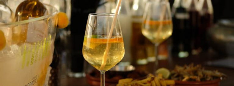 3 amazing cocktail recipes to make with our sweet white wines