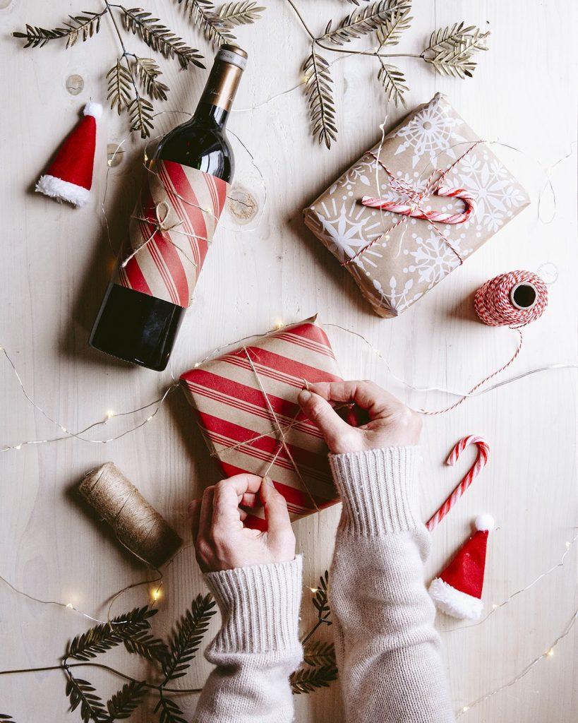 present gift bordeaux wine christmas