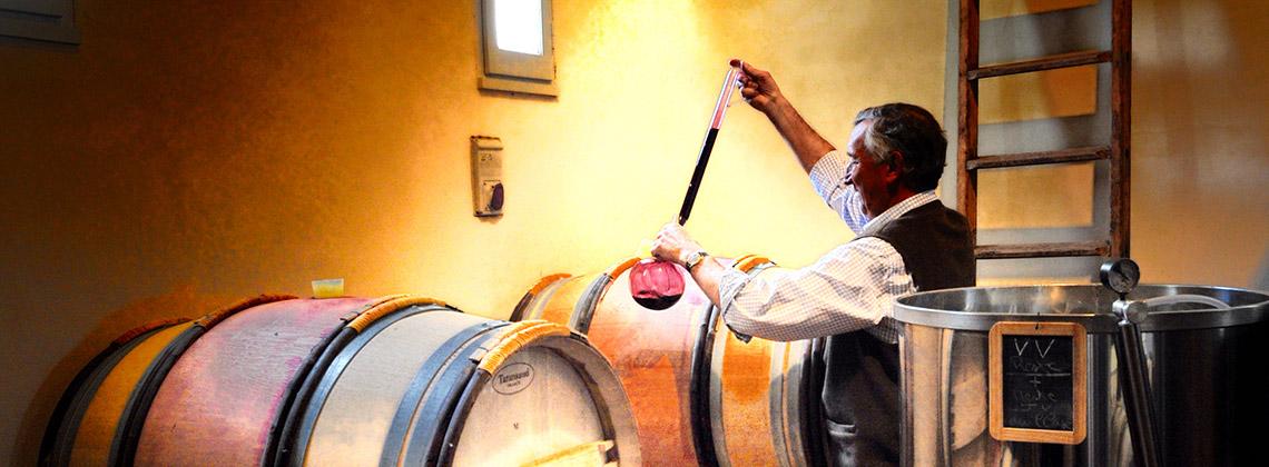 Holzfass vs. Edelstahltank: was bedeutet das für den Wein?