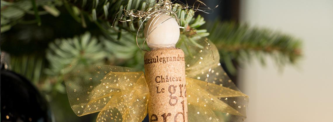 Weihnachtsengel aus Korken für den Tannenbaum