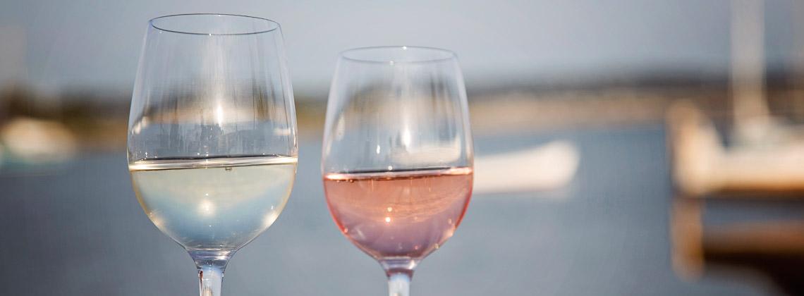 Sommerweine richtig kühlen und servieren