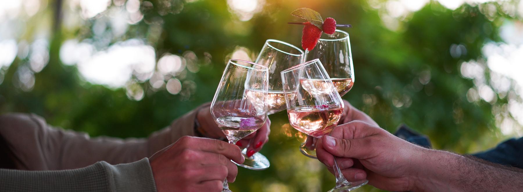 Frais et fruités, les vins de Bordeaux renouvellent l'apéritif