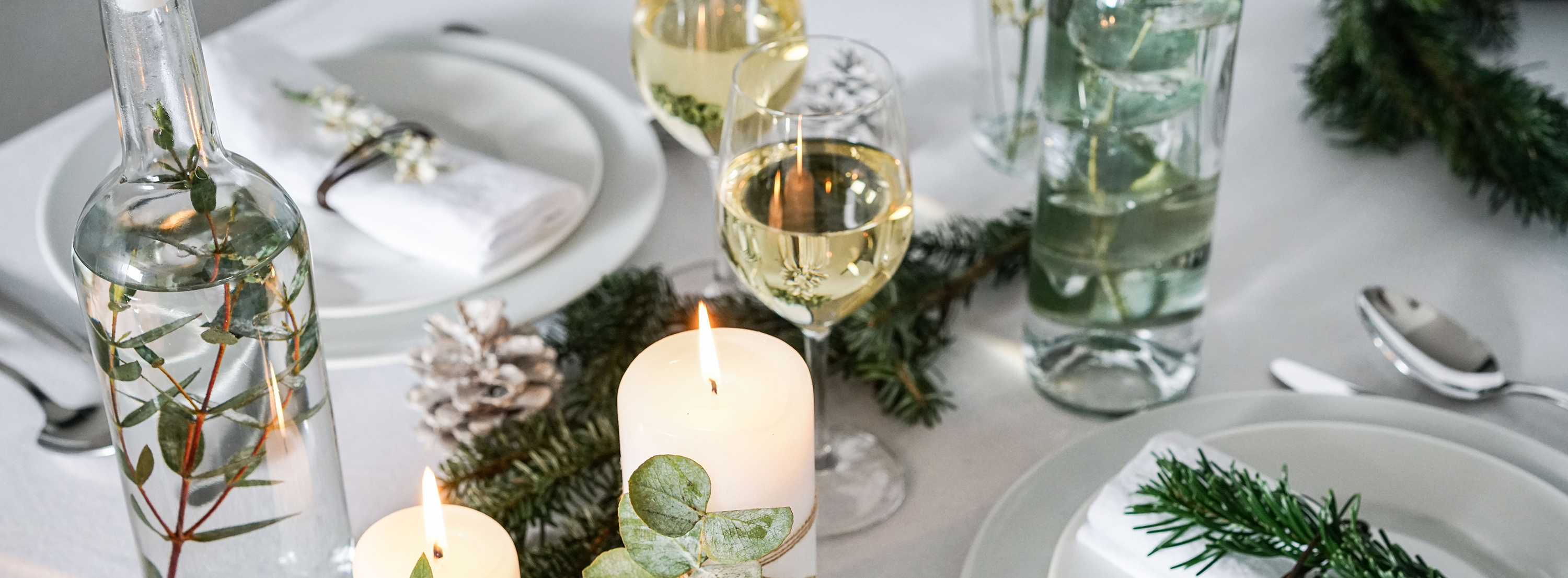 Nature inspired DIY Christmas table decorations