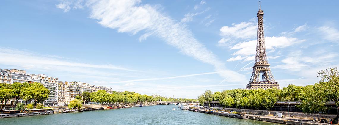 Les meilleurs spots Parisiens où déguster des vins de Bordeaux cet été.