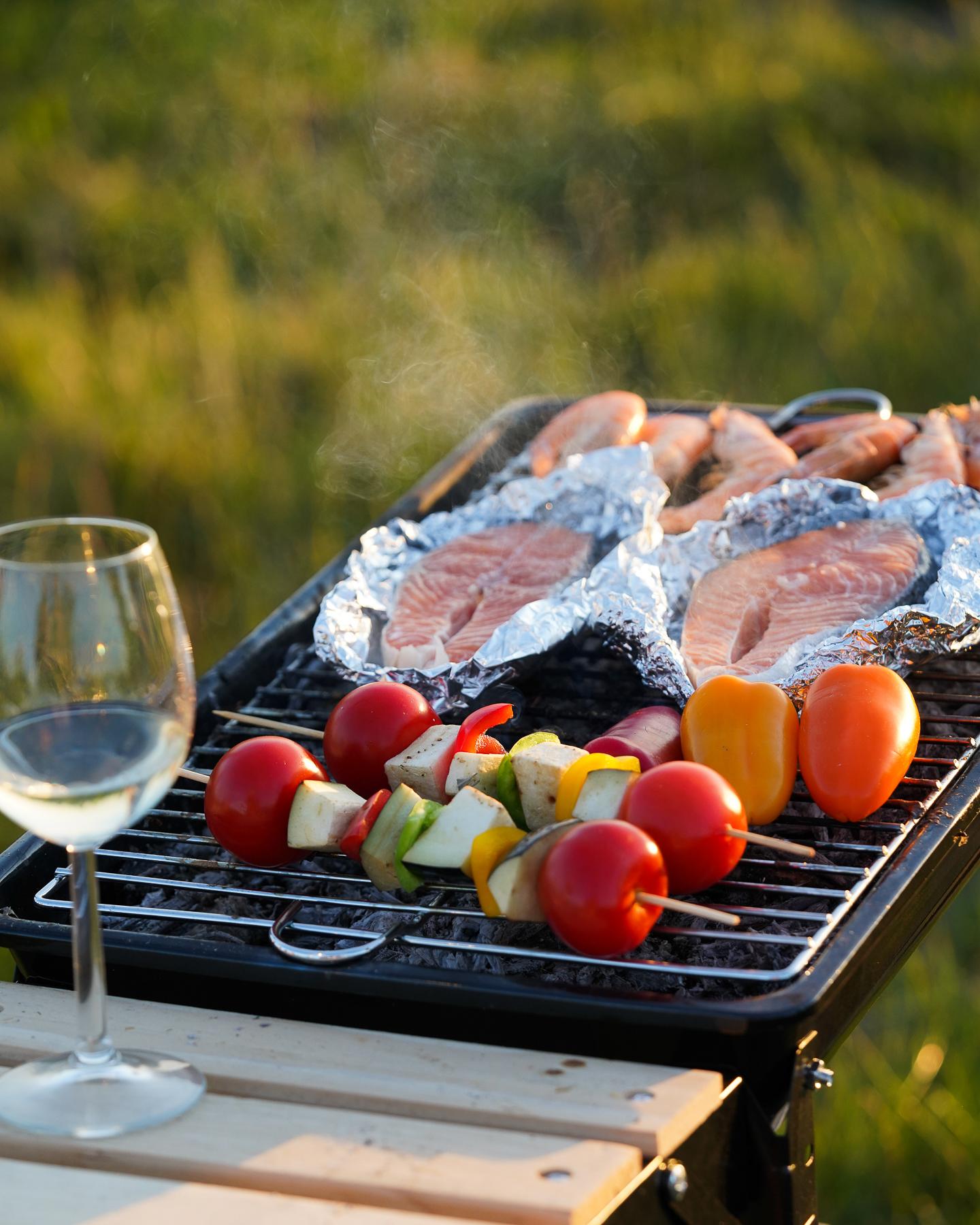 barbecue tomates brochettes vin